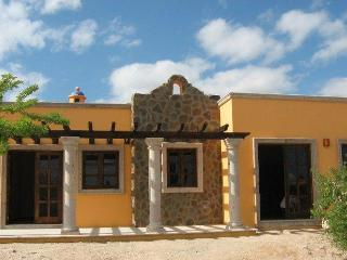 Enchanting casa with fiber optic internet, La Paz