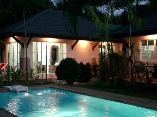Cosy Villa Cottage  close to Andaman Sea