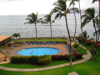On the Beach-2BR/Sleeps 6**Reserve Now for Summer 2017**, Kihei