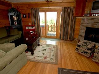 Loggers Run 14: Hot Tub, 4 BR / 2.5 Bath, Snowshoe