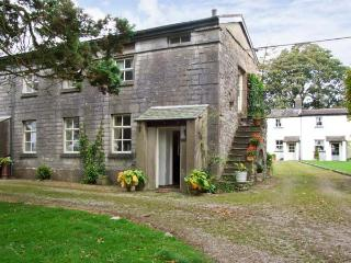 GROOM'S QUARTERS, pet friendly, character holiday cottage, with a garden in Cartmel, Ref 10308