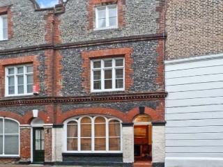19 KING STREET, pet friendly, with a garden in Margate, Ref 10013