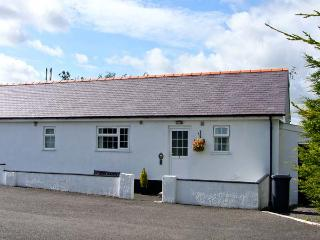 3 BLACK HORSE COTTAGES , pet friendly, country holiday cottage, with a garden in Pentraeth, Ref 9875