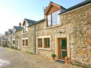 POST OFFICE COTTAGE, pet friendly, WiFi, luxury holiday cottage, with a garden in Tindale Fell, Ref 7397