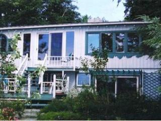 The Everymoon Maine Lakefront Cottage, Bangor