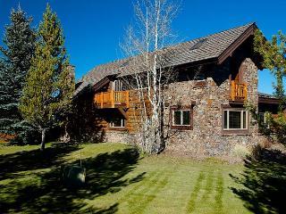 Western elegance, solitude and scenery with majestic Teton views!!, Jackson