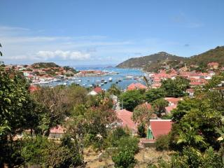 Conveniently located, chic apartment with a nautical theme WV PUL, Gustavia