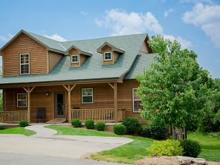 Ozark Charm - 7 bedrooms / 5 baths / sleeps 22, Branson