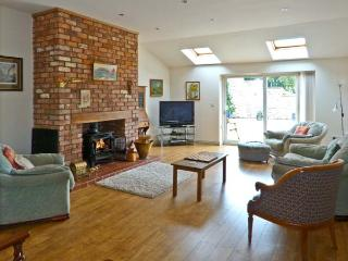 BRON BERLLAN UCHAF, family friendly, country holiday cottage, with a garden in Dyserth, Ref 10361