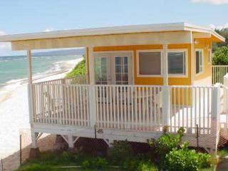 Beach Front Orange Cottage Studio on the North Shore, O'ahu