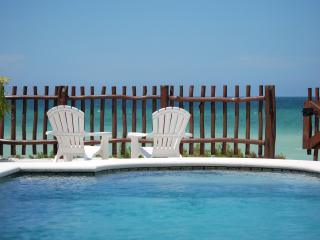 Beach Front Brand New Villa, Heated Pool & Wi-Fi, Telchac Puerto