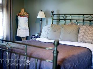 Lyn Suite / Queen Bed