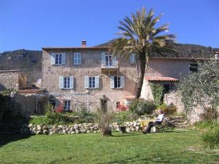 Romantic House on outskirts of mediaeval village, Seillans