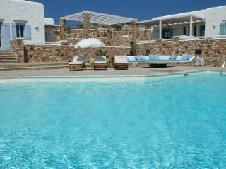 Greek Island Villa with views of the Aegean Sea and within Walking Distance of T