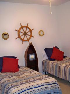 Guest Bedroom -3