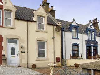 HARBOUR VIEW , pet friendly, with a garden in Findochty, Ref 6860, Buckie