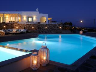Greek Island Villa with views of the Aegean Sea and within Walking Distance of