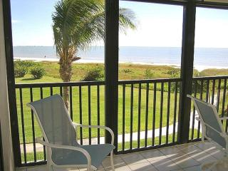 Direct Beachfront, Sweeping Gulf View + Bikes/Wifi, Isla de Sanibel