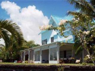 5 bedroom villa on the beach near Ile aux cerfs