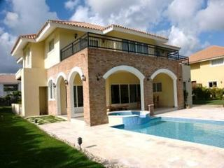 Large Private Home, Car included, on Golf Course!, Punta Cana