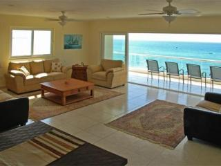New Beachfront Luxury Condo - Best Deal on Beach, Punta de Mita