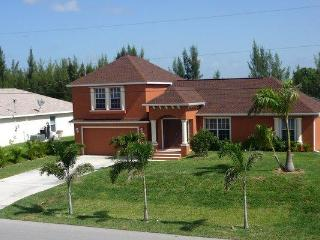 Villa Sunbeam- on Freshwatercanal in SW Cape Coral
