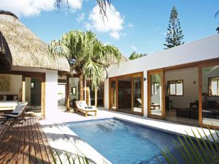 Navani Villas 250m away from the beach, GrandBay, Grand Baie