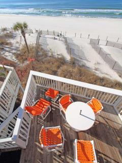 view from top deck/You have your own private Yard/on Beach side/Beach is 300 ft away,OH YEA