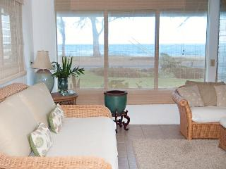 Come Relax at our Blue Ginger Beach House, Oahu, Punaluu