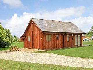 BIRKDALE LODGE, pet friendly, luxury holiday cottage, with hot tub in Thorpe-On-