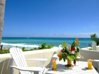 Inchcape Seaside Villas - 'House Seaside'- right on Silver Sands Beach