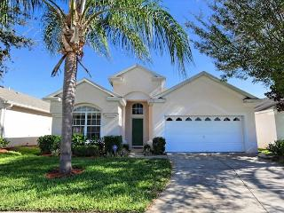 BRIGHTON: 4 Bedroom Home in Gated Resort Community with Private Pool and Spa, Kissimmee