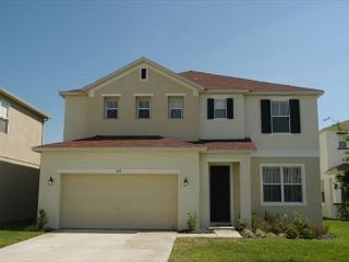 WOODLAND VIEW: 5 Bedroom Home with 3 Separate Living Areas, Davenport