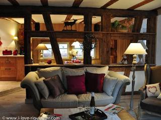 Romantic and comfortable living space