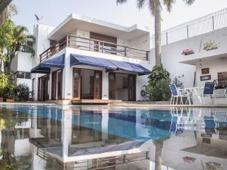 Incredible 3 Bedroom Beach House in Marbella, Cartagena