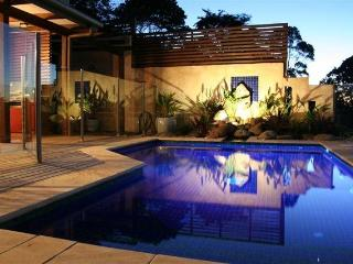 BlueGreen House and Studio - perfect Byron getaway, Byron Bay