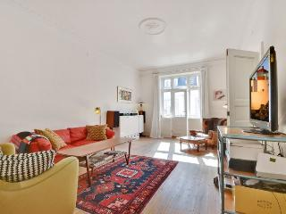 Large Copenhagen apartment with balcony at Westend, Copenhague