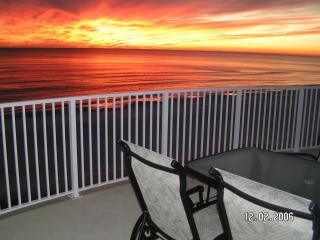 OCEAN VILLA 2302*Top Floor* Beach Service & Wi-Fi, Panama City Beach