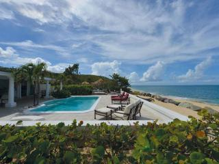 La Perla Classic at Baie Rouge Beach, Saint Maarten - Beachfront, Pool, Jacuzzi, Terres Basses
