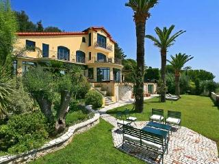 Villa Cezanne holiday vacation luxury villa rental france, french riviera
