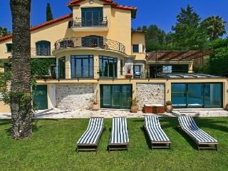 Villa Cezanne holiday vacation luxury villa rental france, french riviera, ville