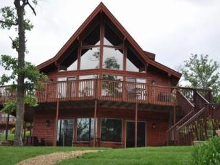 Water's Edge-Lake Front Luxury Cedar/4 Bedroom, Branson