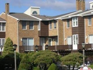 Cape May 4 Bedroom-3 Bathroom Condo (105006)
