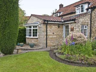 22 BECKSIDE, family friendly, character holiday cottage, with a garden in Nettle