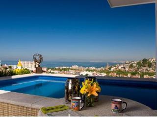 CASA CELESTE, 1Bed/1Bath penthouse suite with pool, Puerto Vallarta