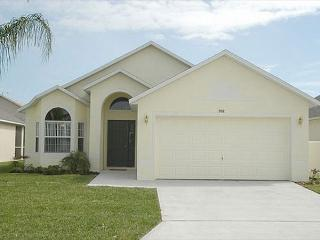 WESTBURY PALMS: 3 Bedroom Pool Home with Game Room and Complimentary WIFI, Davenport