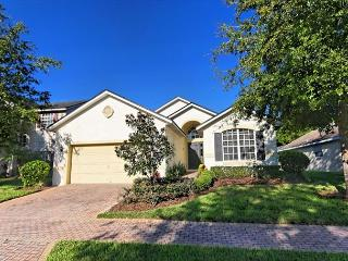 CILBECK: 4 Bedroom Home in Gated Community with SW Facing Pool and Spa, Davenport
