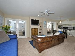 #714 - OCEANVIEWS from many rooms! Wrap-around balcony!, San Diego