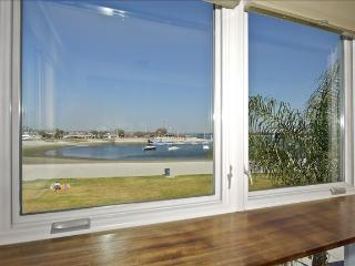 #840 - BAYFRONT Loft with Private Deck!
