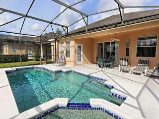 FREE POOL HEAT : 3 Bed Home with South Pool and Spa Overlooking Woods